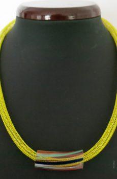 Strickkette mit Glasanhänger